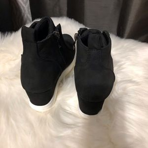 Shoes - Wedge Sneaker Black🌟PRICE FIRM, NO OFFERS